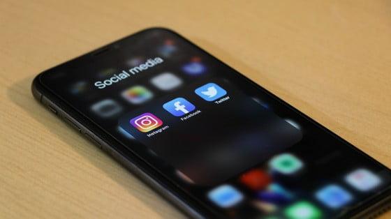 Sociálne siete a ich vplyv na človeka