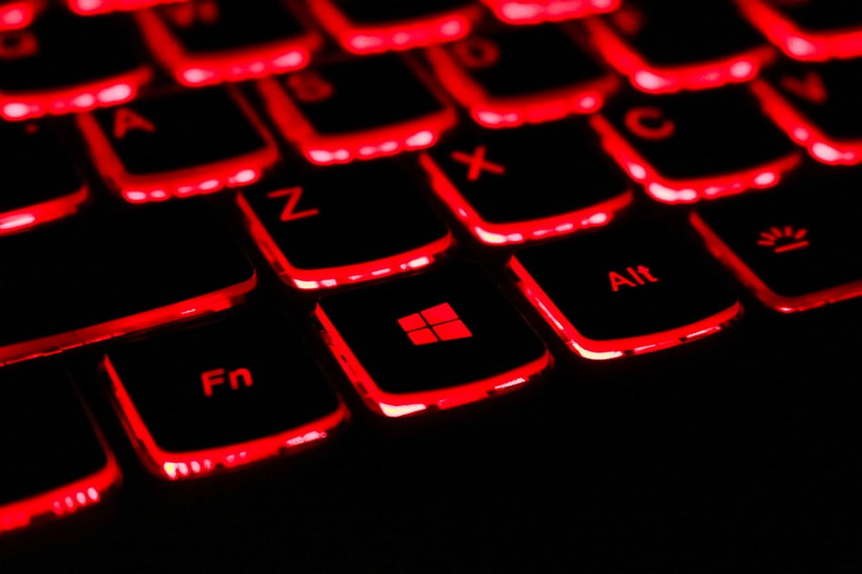 červená klávesnica