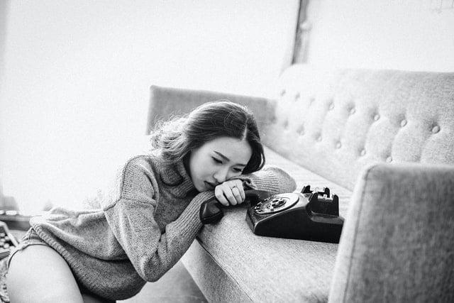 zúfalá a smutná žena